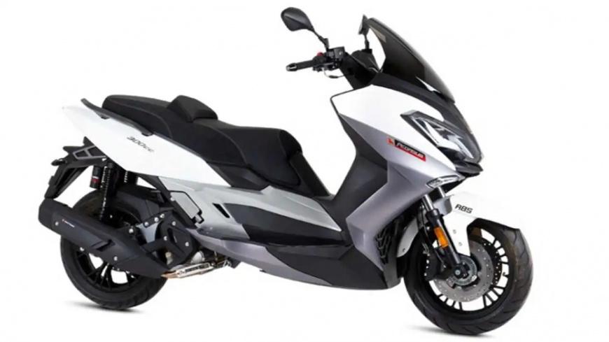 Макси-скутер Lexmoto Pegasus 300 появился на рынке Франции