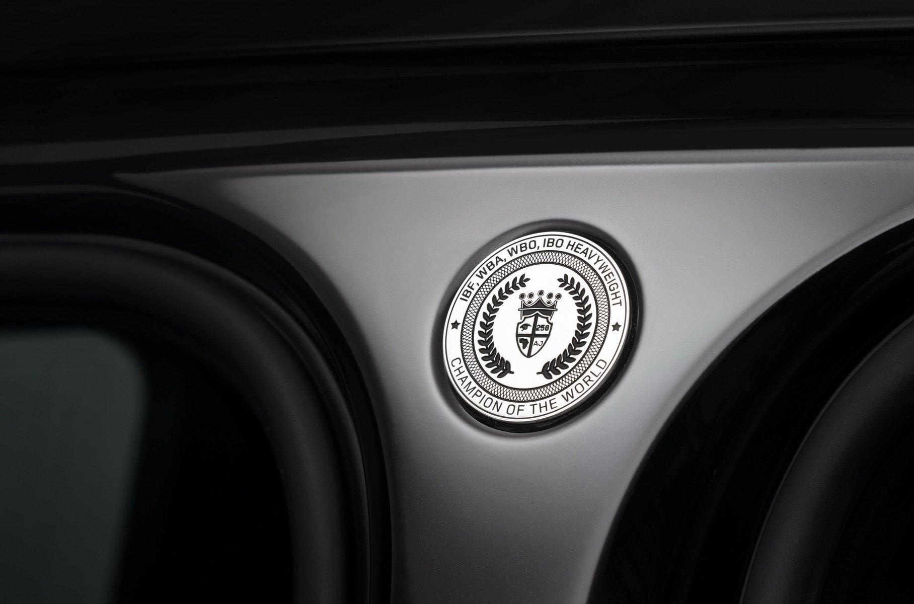 Land Rover выпустил уникальный внедорожник для боксера-тяжеловеса