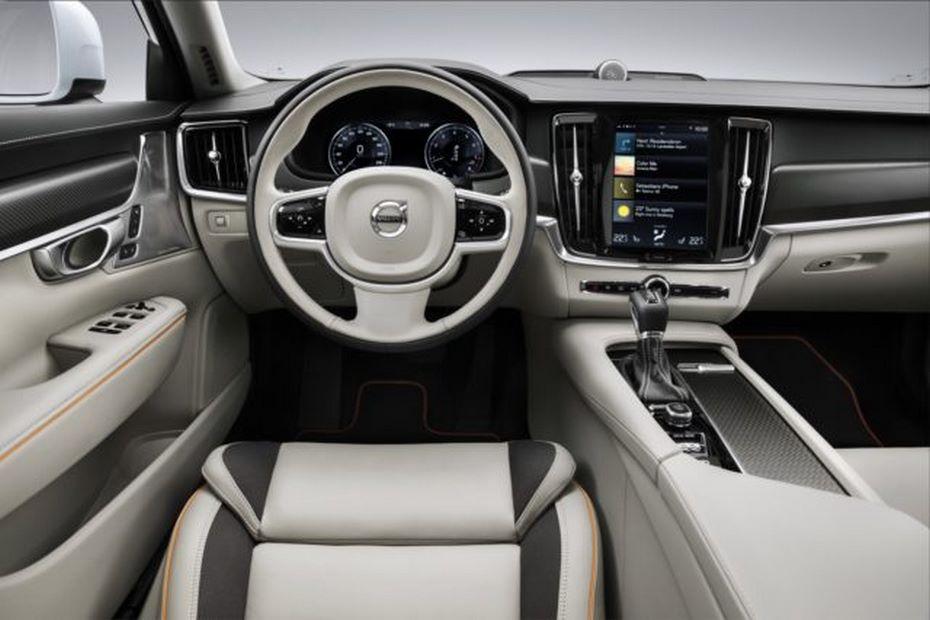 В 2018г. в Российской Федерации стартуют продажи Вольво V90 Cross Country