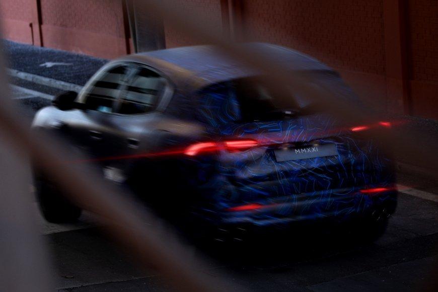 2022-Maserati-Grecale-Teaser-3.jpg