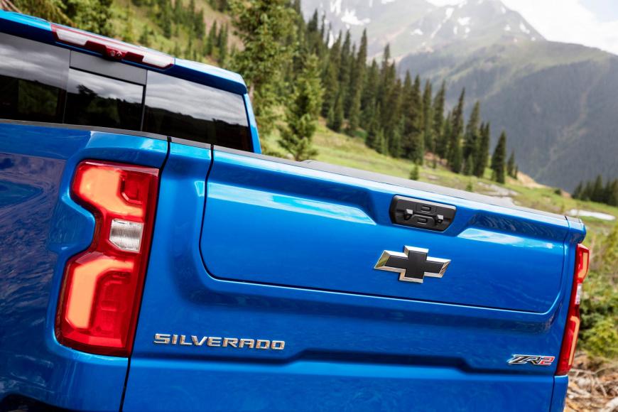Chevrolet Silverado ZR2 2022 года дебютировал как флагманский пикап бренда