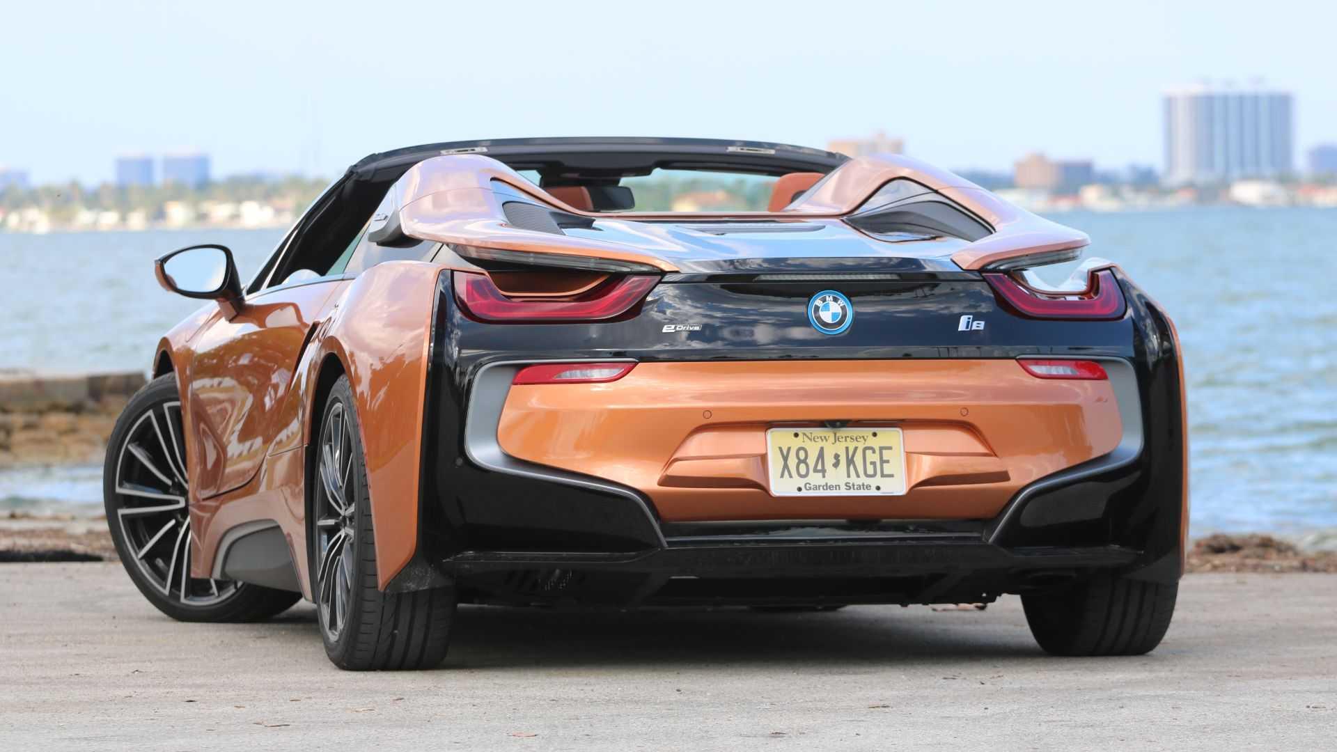 Сможет ли BMW i8 обогнать Polestar 1 и Porsche 911 Carrera?