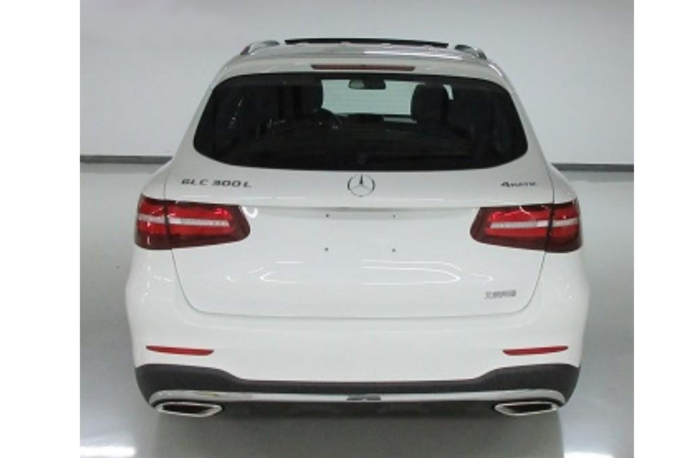 Benz показала удлиненный кроссовер Мерседес Бенс GLC L
