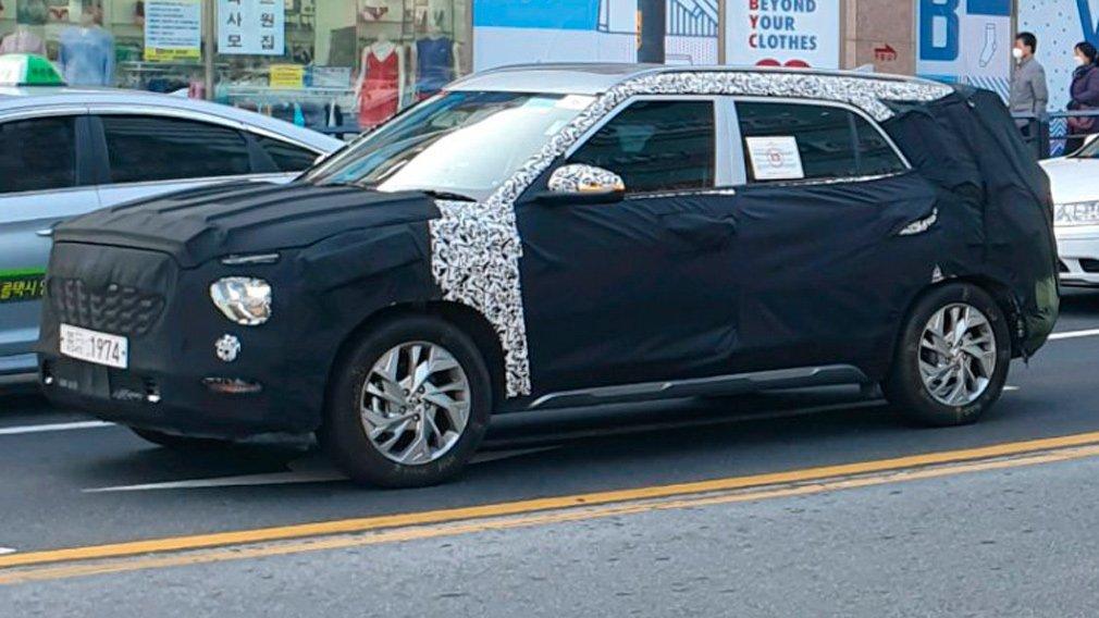 Hyundai продолжает тестировать удлиненную версию Creta