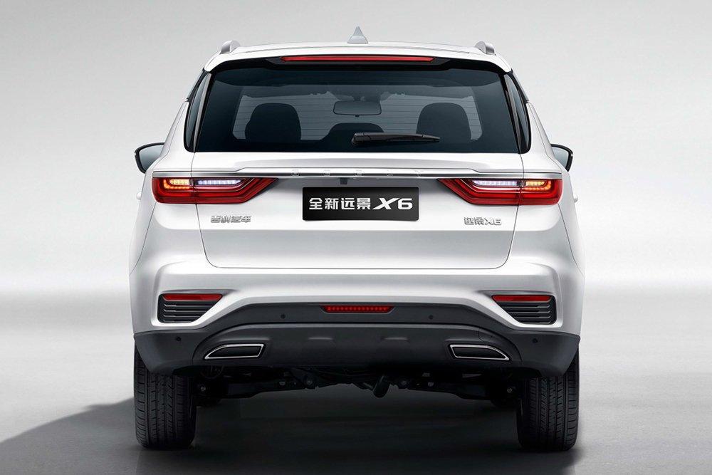 Китайский кроссовер Geely Emgrand X7 получил новый дизайн