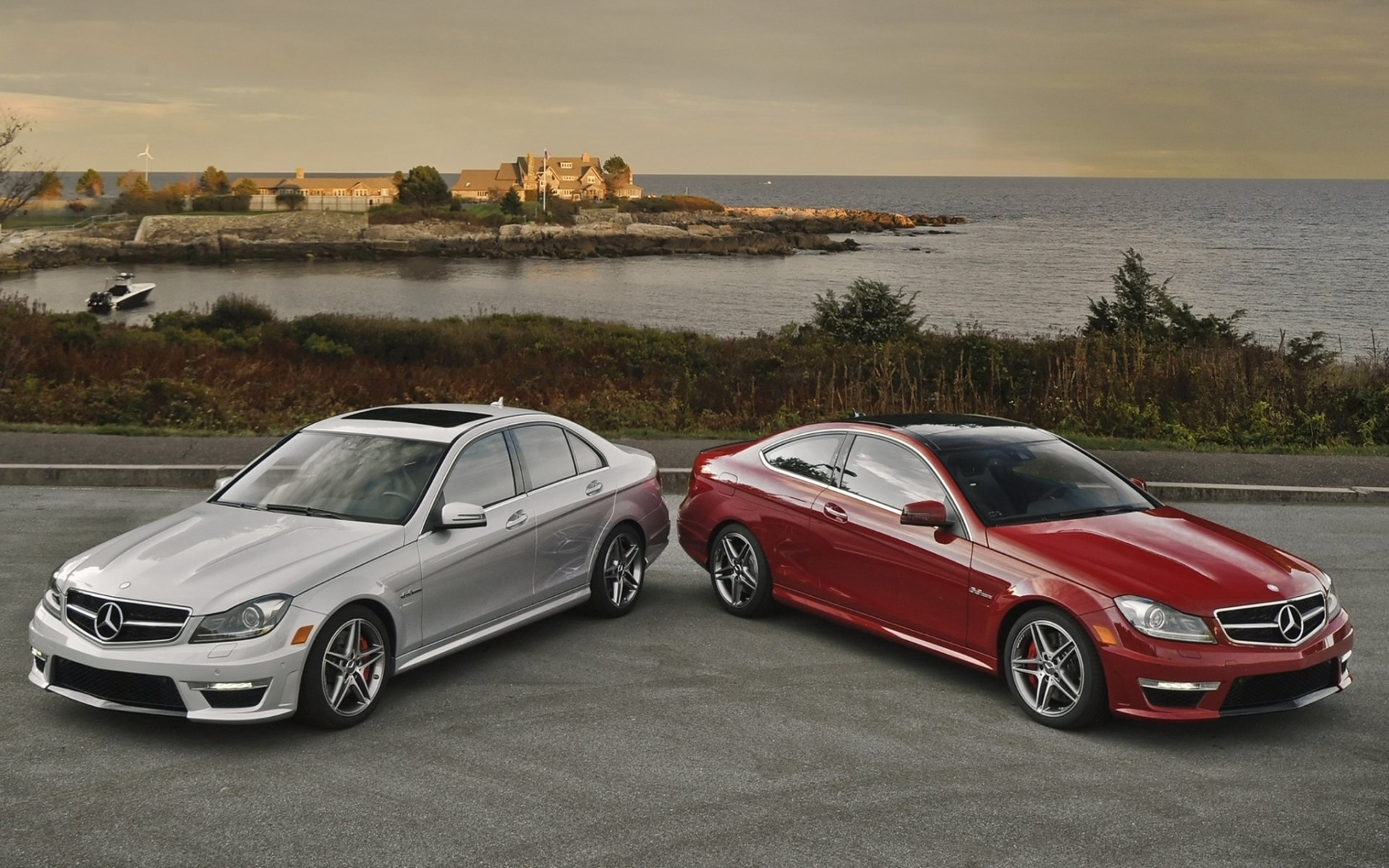 Mercedes-Benz осуществляет доставку машин на дом