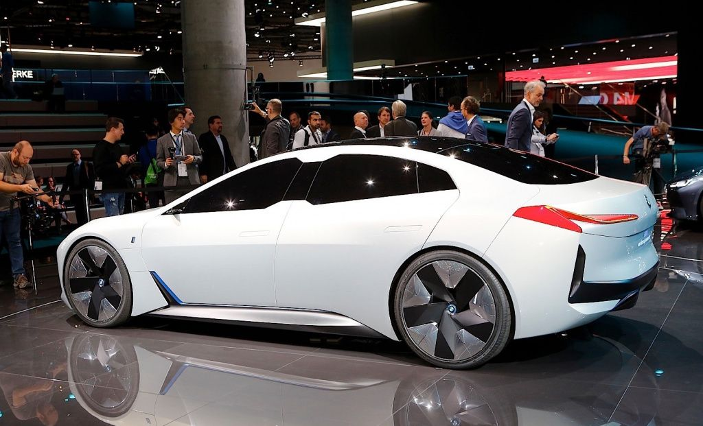 BMW iVision Dynamics получит серийную версию под наименованием I4