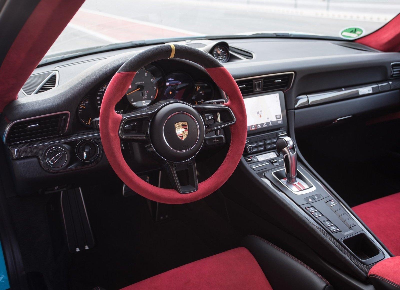 Уникальный Porsche 911 GT2 продают за миллион долларов