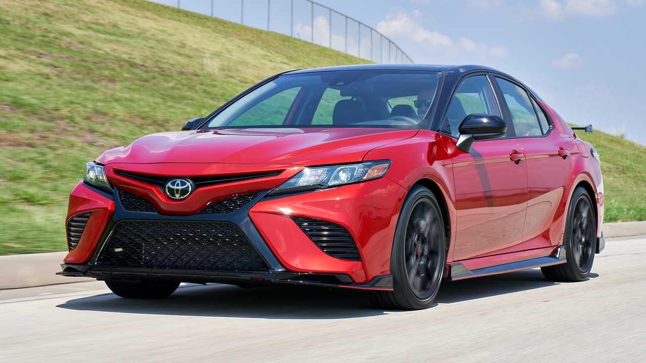 Продажи Toyota в феврале выросли в России на 17%