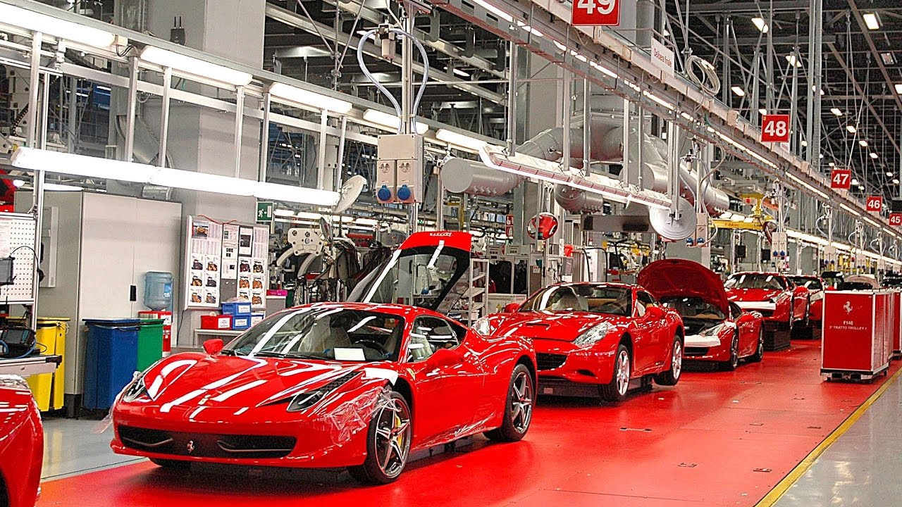 Ferrari останавливает заводы из-за коронавируса