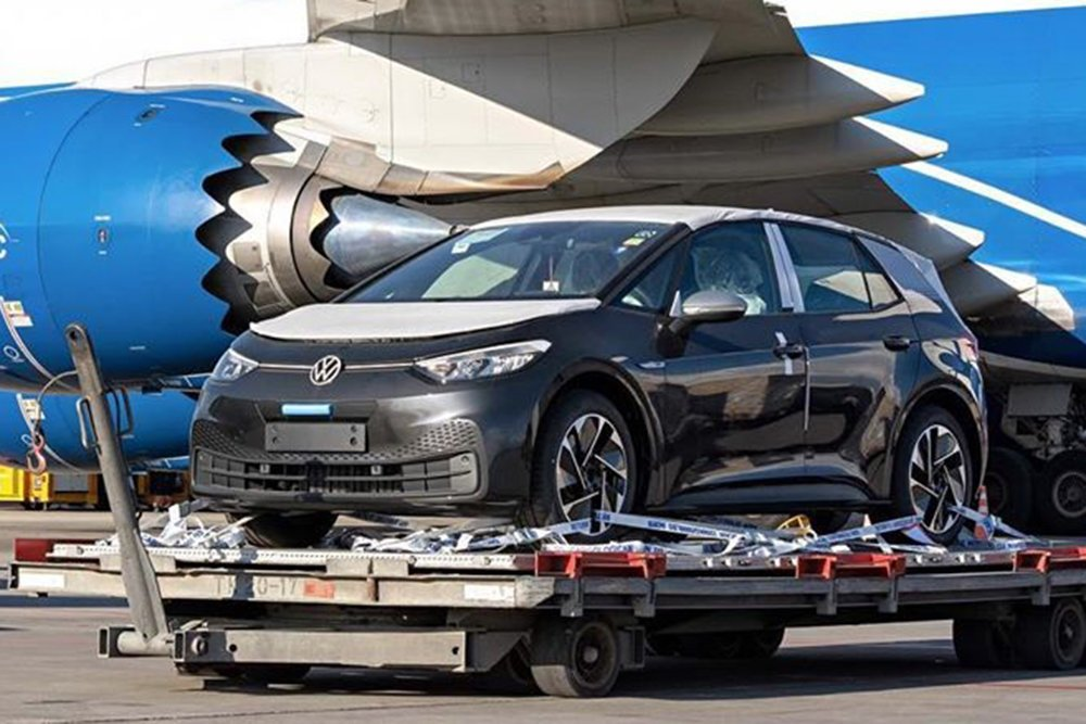 Новый Volkswagen I.D.3 заметили в Шереметьево