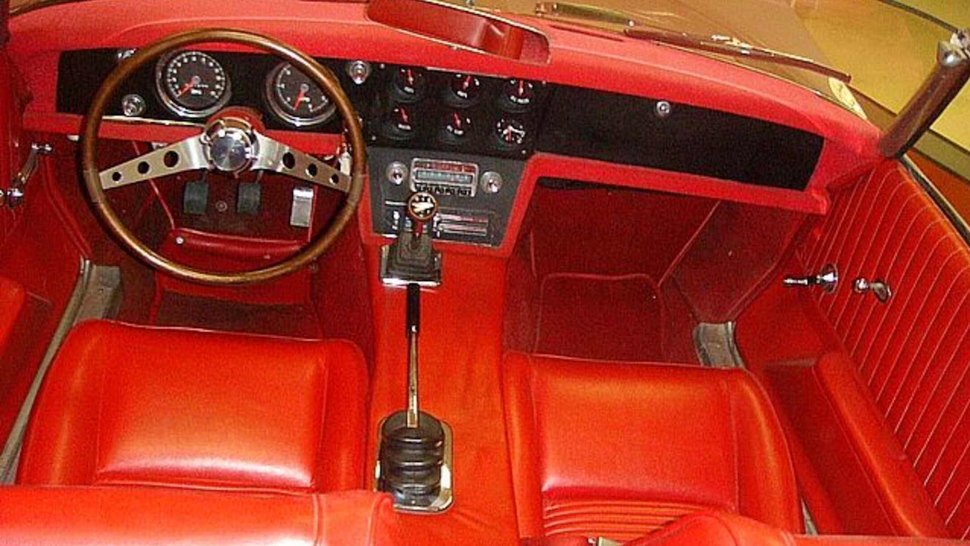 Спортивное купе Panstiac Banshee образца 1964 года продается за 55 458 075 рублей