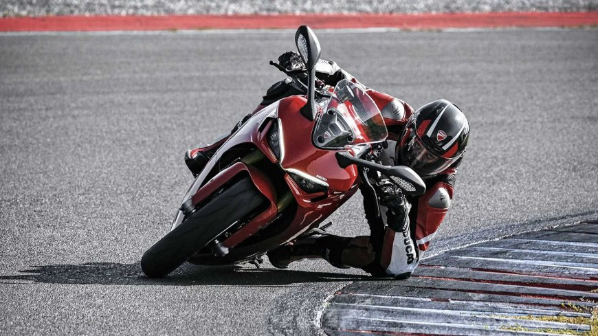Ducati представил обновленный мотоцикл SuperSport 950