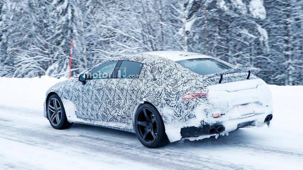 Шпионские фото Mercedes-AMGGT Sedan появились вглобальной web-сети
