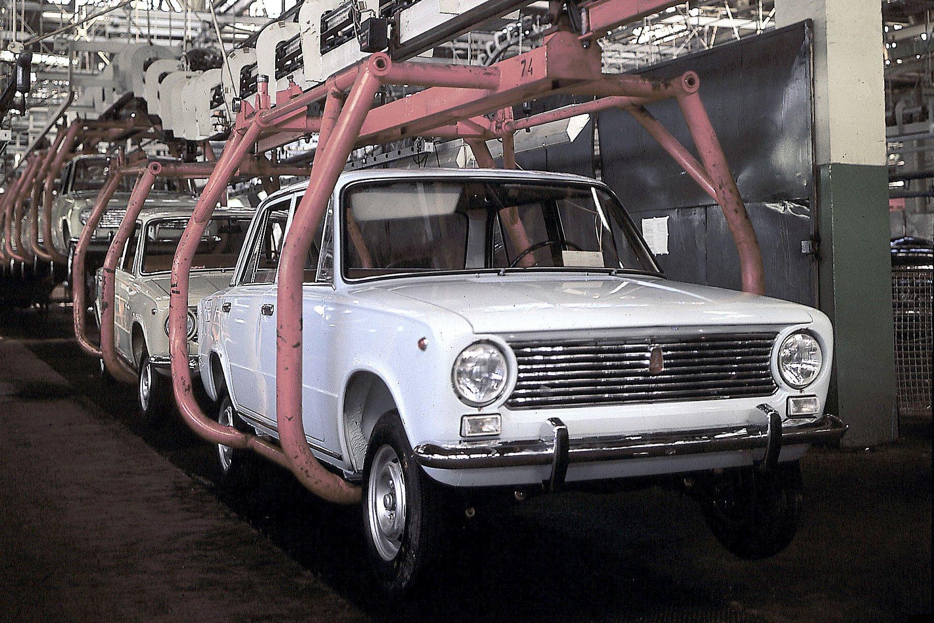 Путин поздравил «АвтоВАЗ» с 50-летием выпуска первой машины