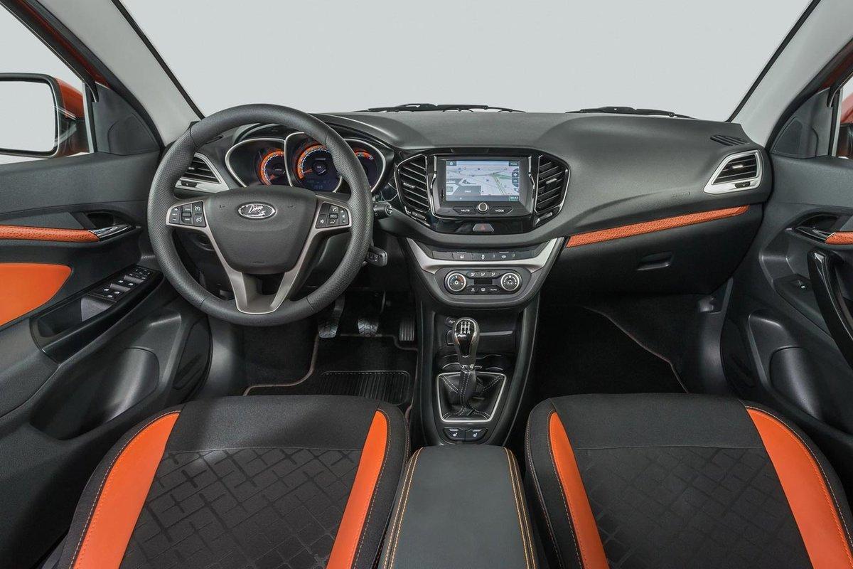 Lada выпустила для Беларуси спецверсию Vesta в честь 50-летия АвтоВАЗа