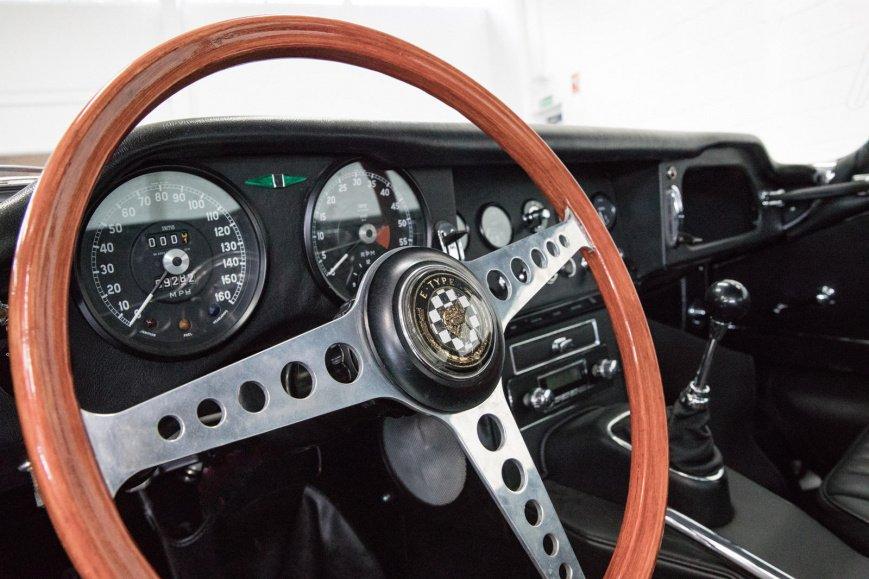 Из классического Jaguar E-Type сделали 400-сильный электромобиль
