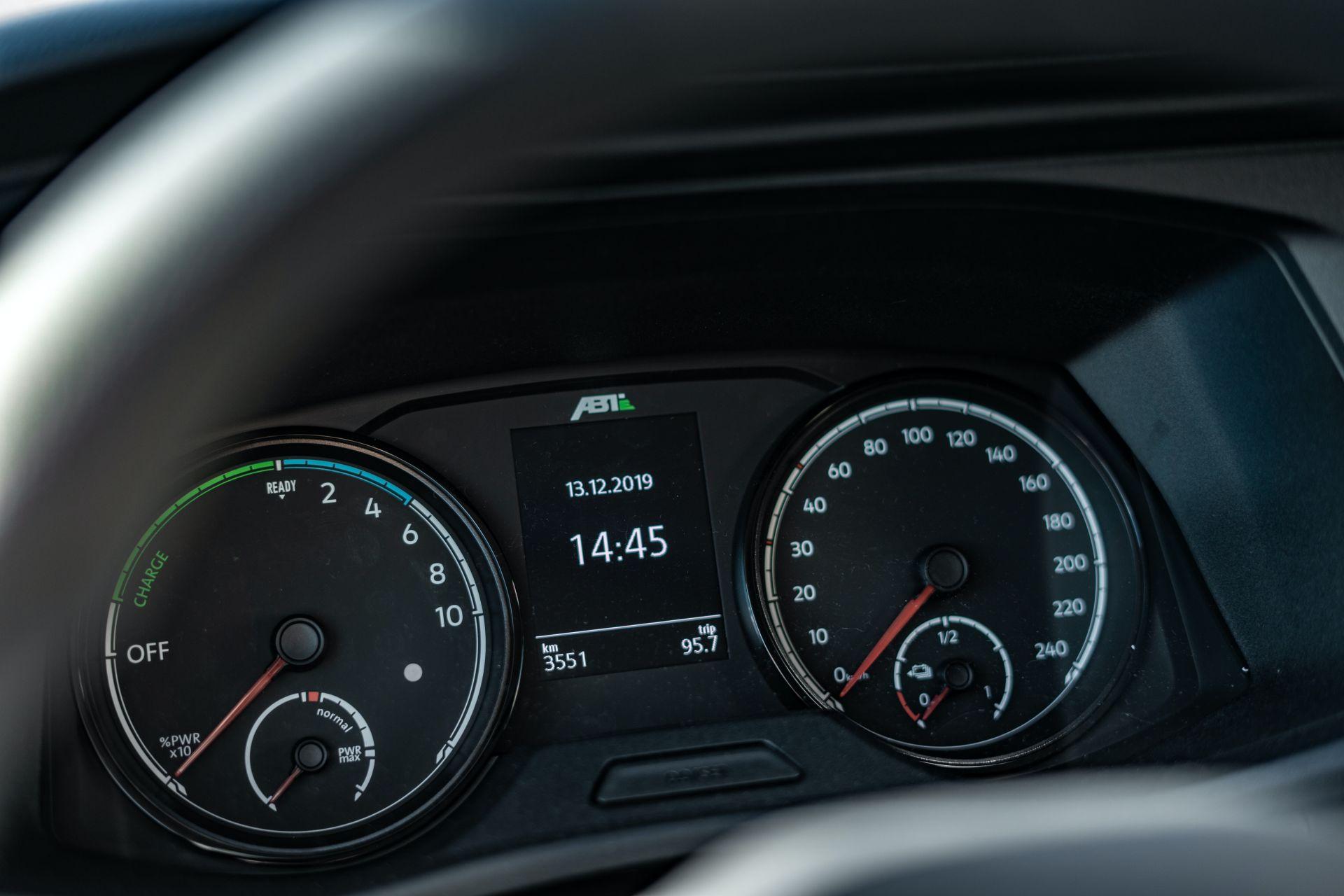 Ателье ABT прокачало электрический фургон VW e-Transporter 6.1