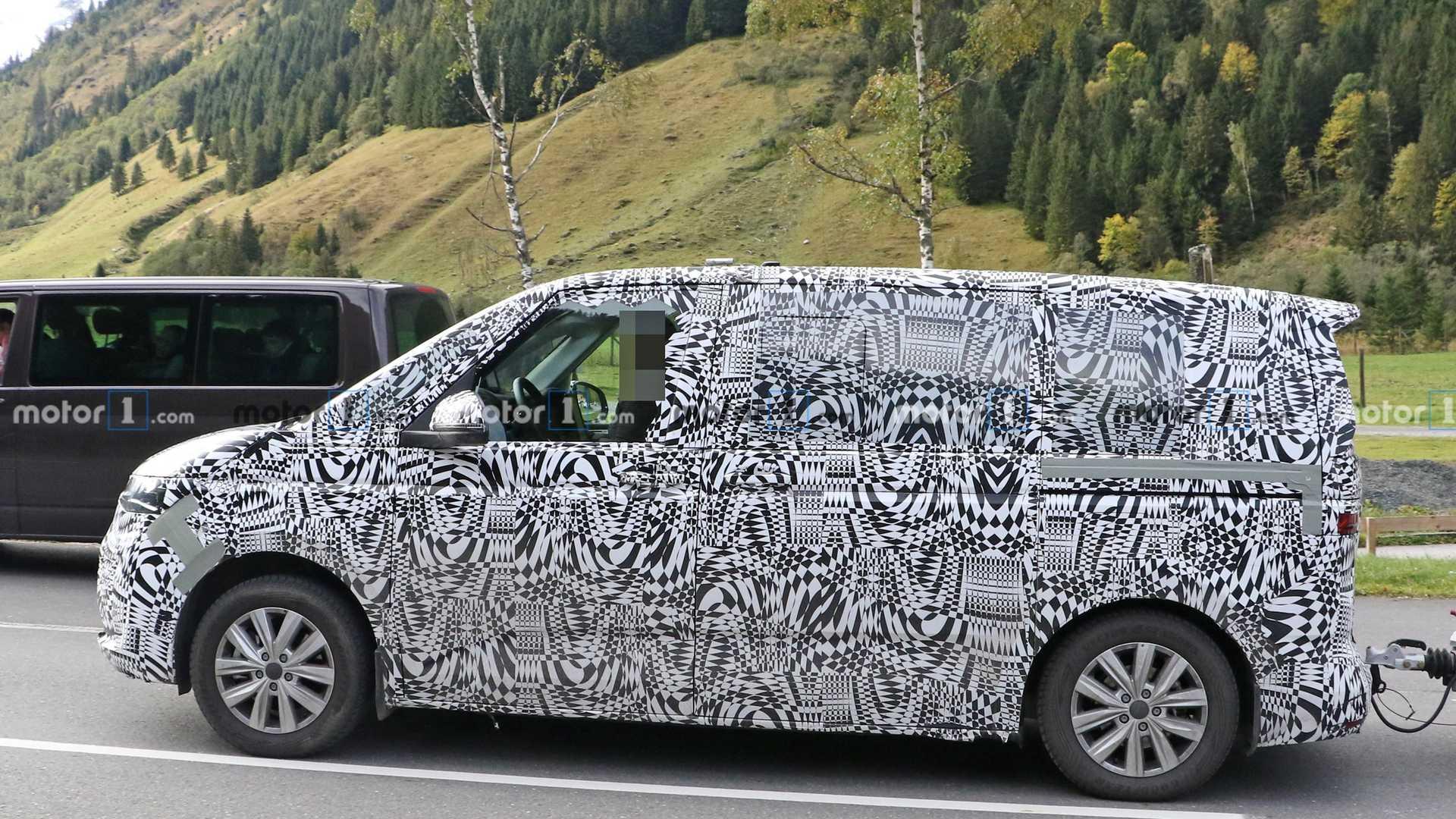 На тестах замечен прототип фургона VW Transporter T7