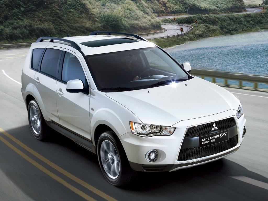 Продажи автомобилей Mitsubishi в России сократились по итогам марта