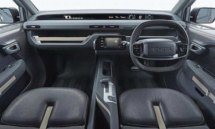 Премьеру гибрида внедорожника и минивэна от Toyota пришлось отложить