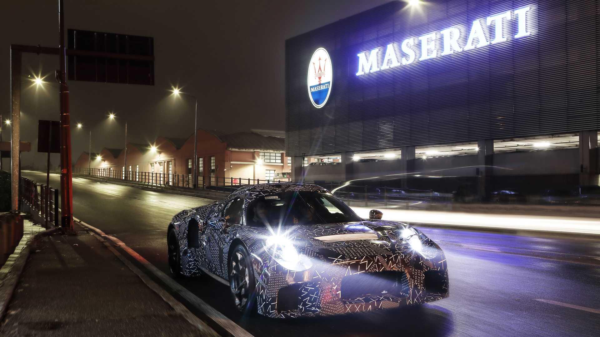 Появились изображения нового 600-сильного суперкара Maserati MC20