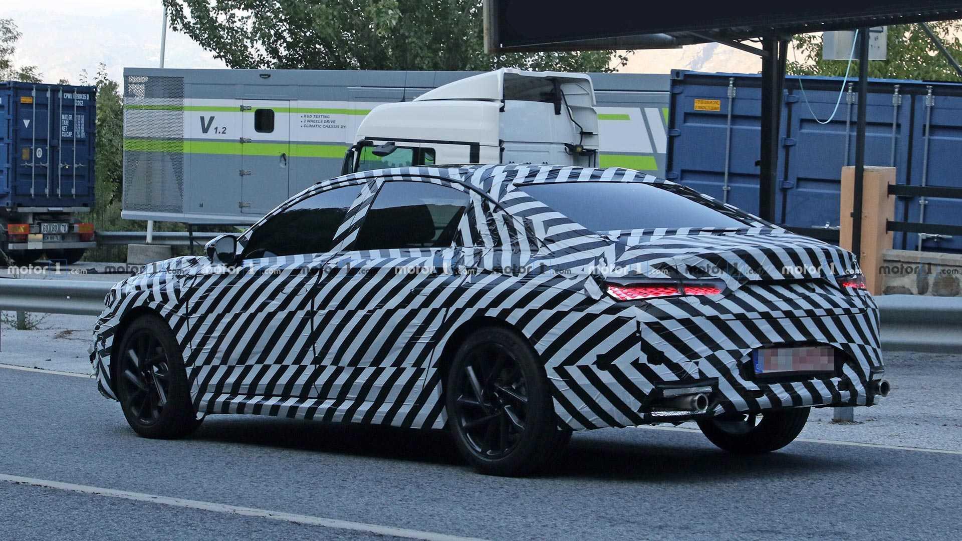Премиальная французская марка DS представит новый среднеразмерный седан