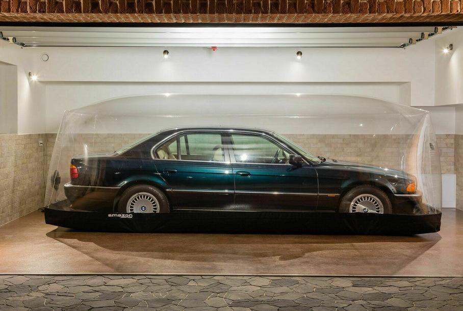 Взгляните на BMW 7 серии, который 23 года хранился в капсуле