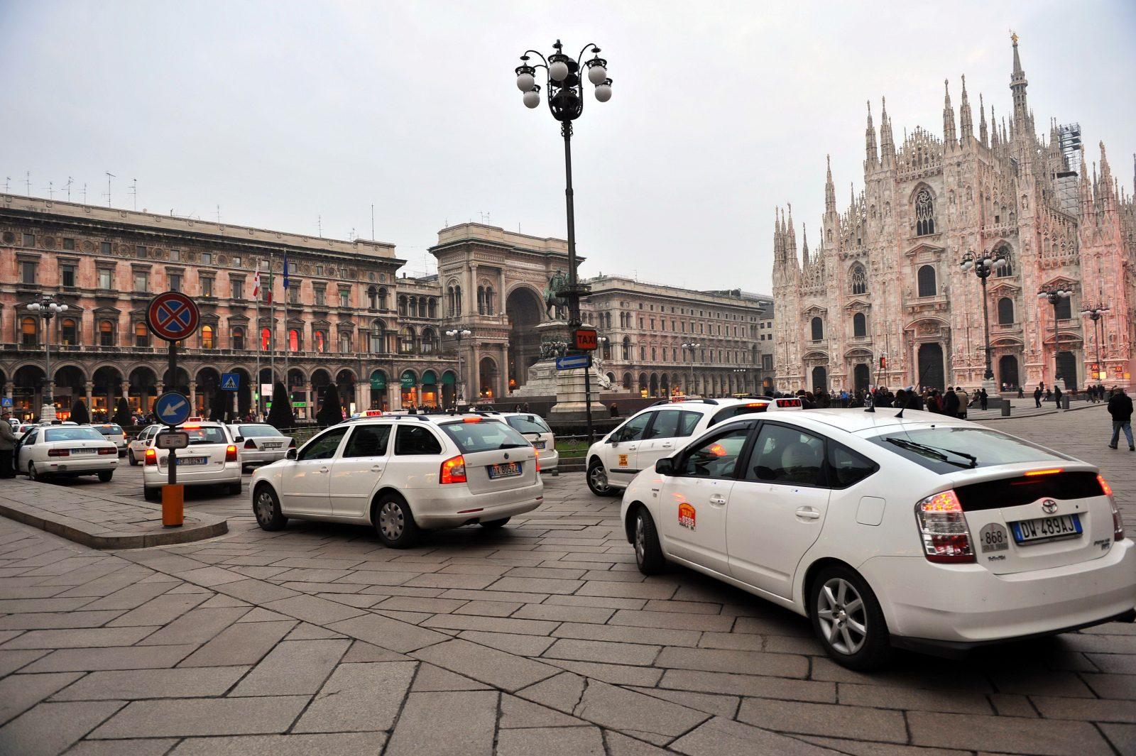 Какие автомобили покупали на родине Ferrari в январе