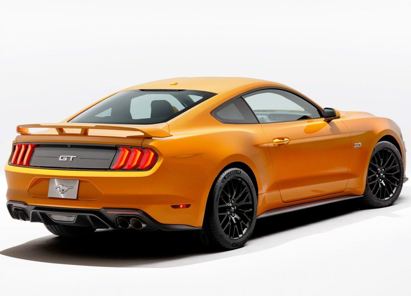 Ford Mustang GT стал мощнее на 19 лошадиных сил