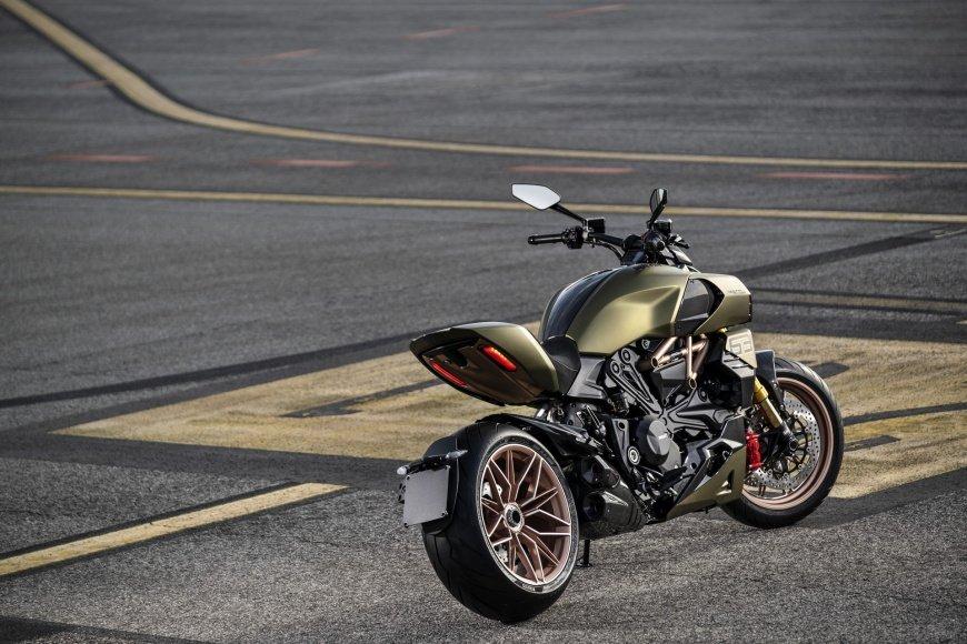 Представили мотоцикл Ducati в стиле Lamborghini