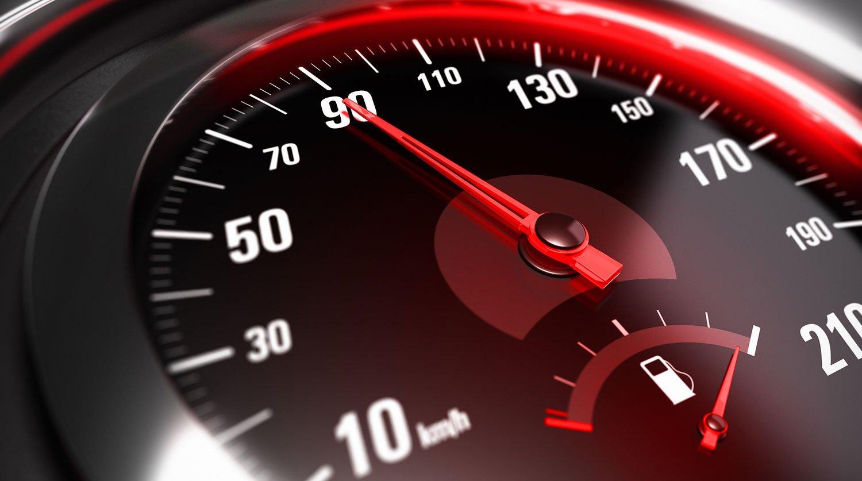 Власти рассказали, почему снижать нештрафуемый порог превышения скорости