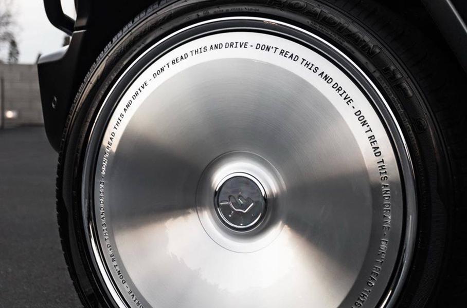 В сети показали новый G-Class с совершенно гладкими дисками без рисунка