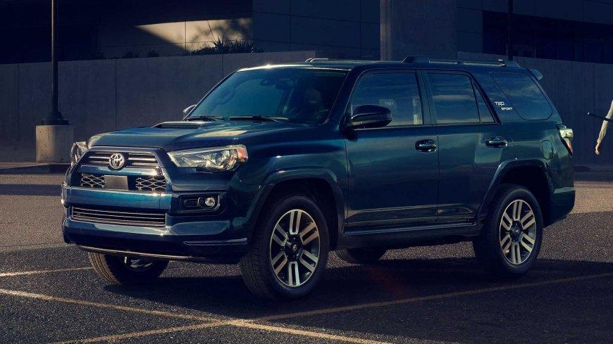 Toyota сравнивает свой внедорожник 4Runner 2021 года с Ford Bronco