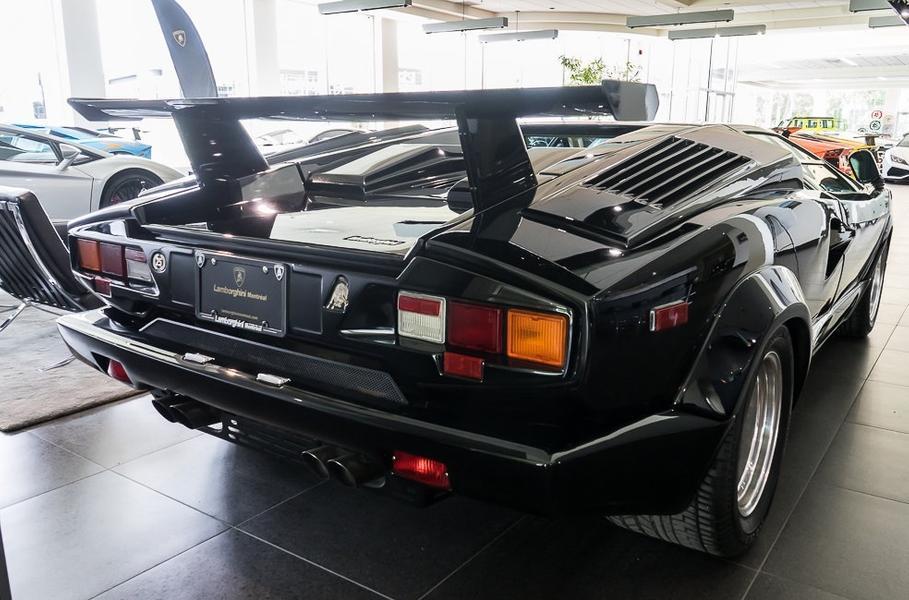 Практически новый Lamborghini Countach оценили в 45 млн рублей