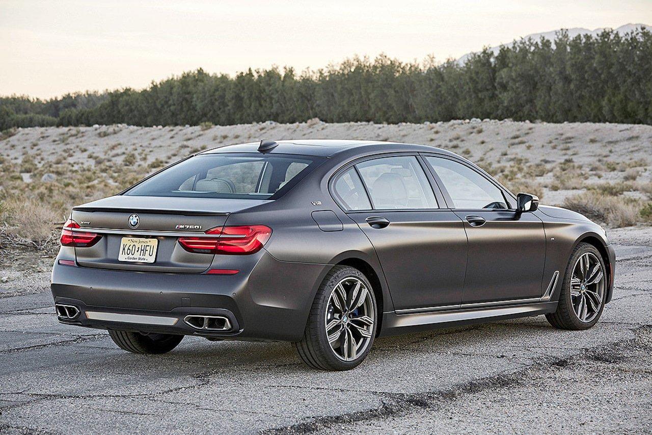 BMW перестанет использовать двигатели V12