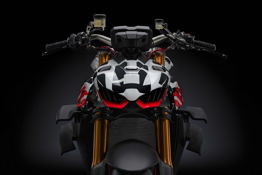 Поставки Ducati Streetfighter V4 начнутся в следующем году