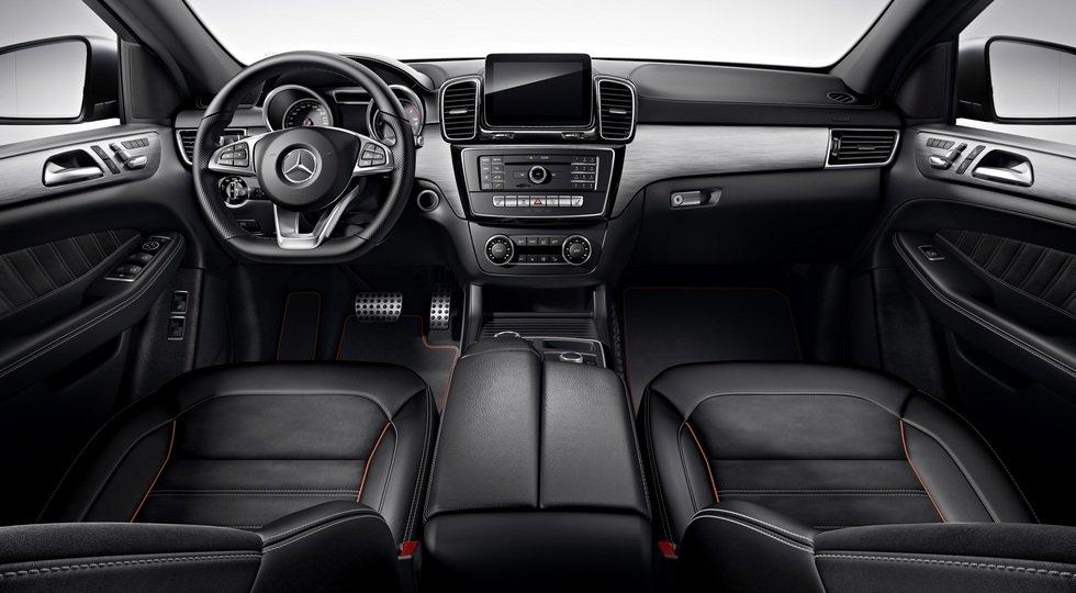 Mercedes открыл прием заказов накупе-кроссоверы GLE Coupe