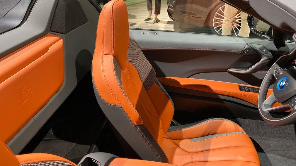 BMW продемонстрировал гибридный i8 Ultimate Sophisto Editions