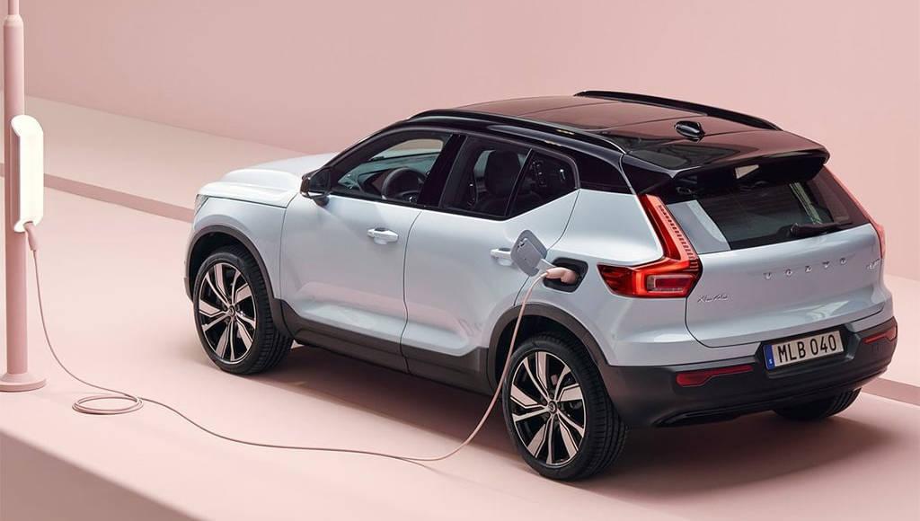 Кроссовер Volvo XC40 обзаведется новыми гибридными двигателями