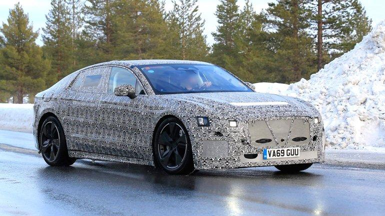 Электрический Jaguar XJ показали на первых изображениях