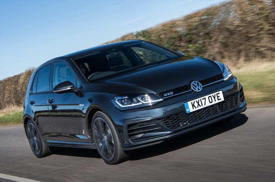 VW опубликовала тизер на высокопроизводительный Golf GTD