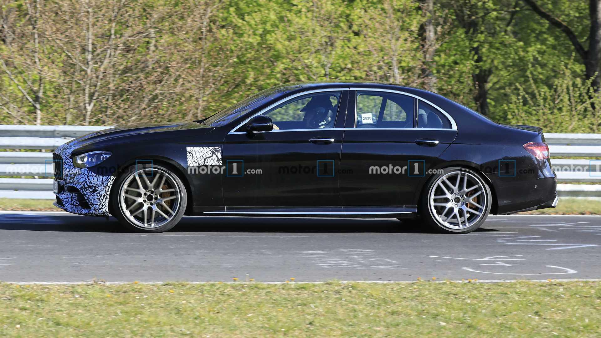 Замечен прототип высокопроизводительного Mercedes-AMG E63 2021