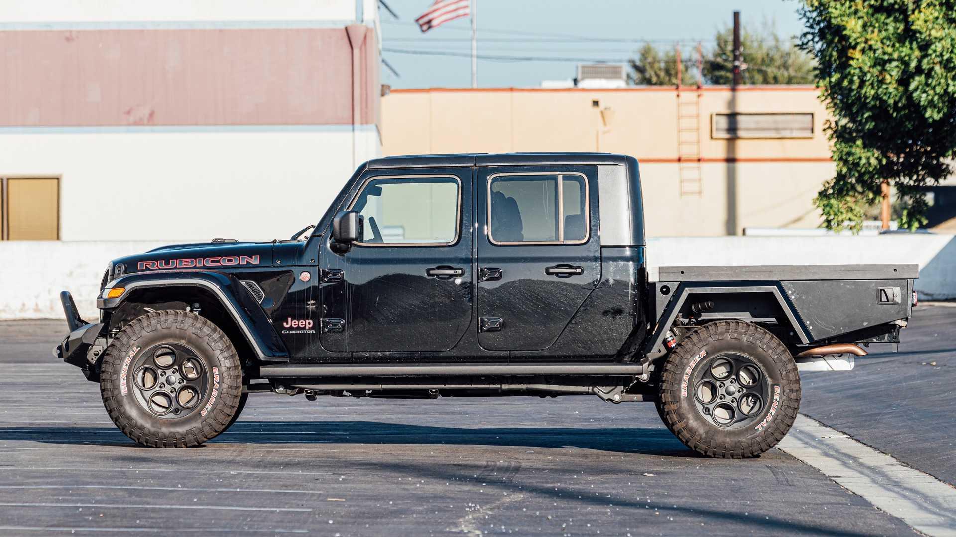 На базе пикапа Jeep Gladiator сделали автофургон