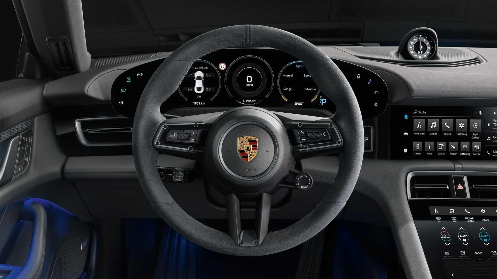 Porsche рассказал о электрическом седане Taycan с задним приводом