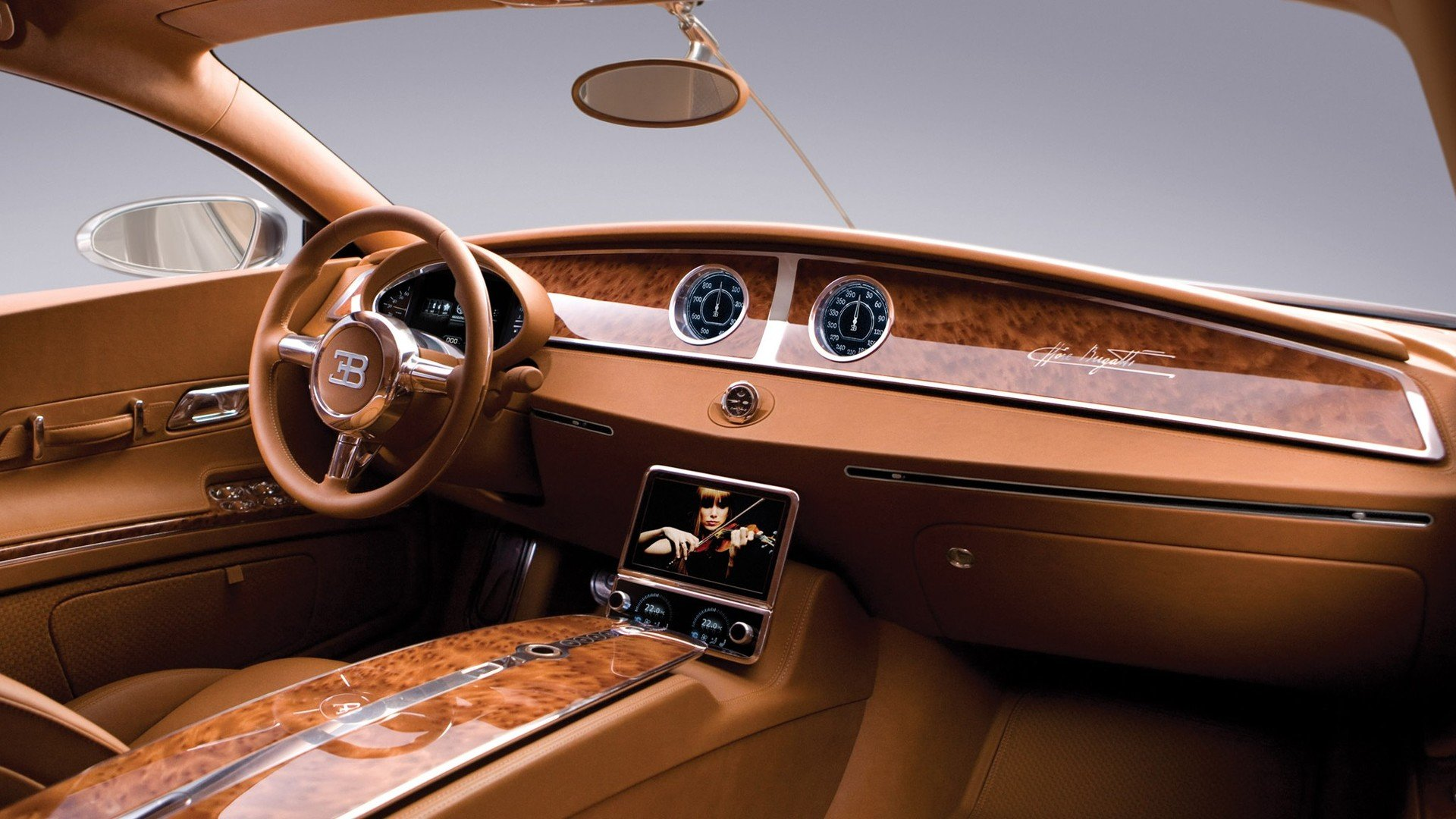 Bugatti объявил о своих планах на новую 4-местную модель