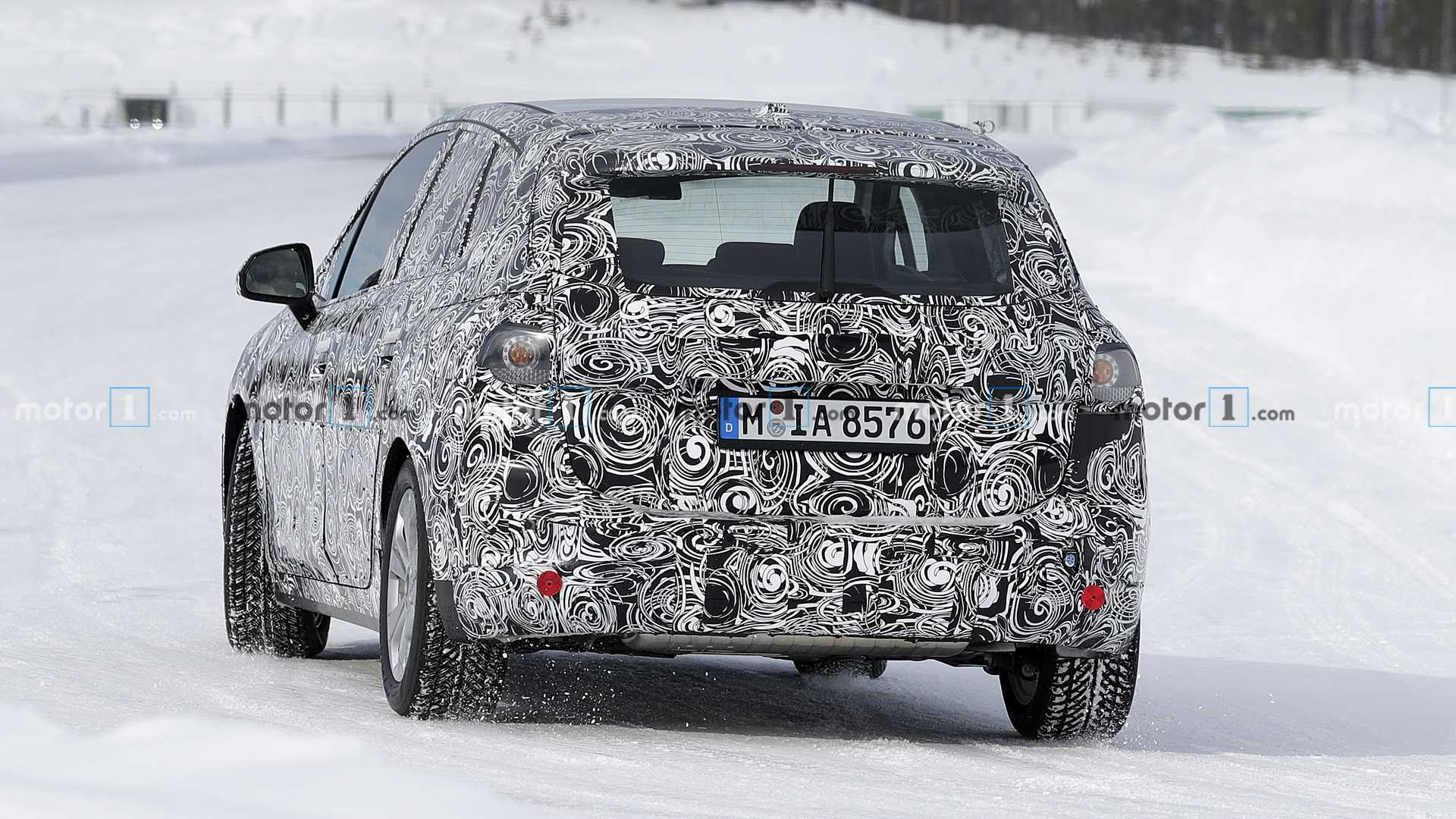 Замечен прототип обновленного BMW 2 Series Active Tourer