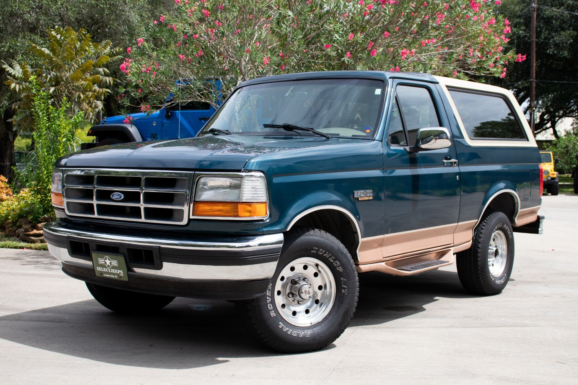 Used-1995-Ford-Bronco-Eddie-Bauer.jpg