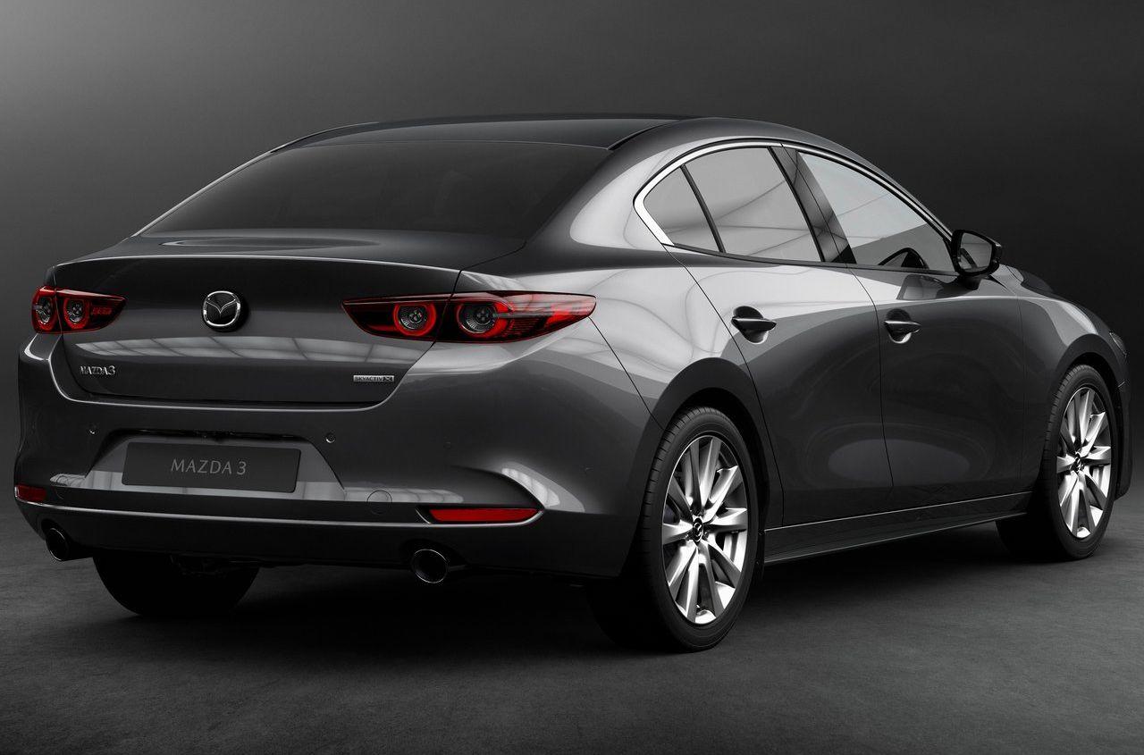 В РФ отзывают практически 800 машин Mazda