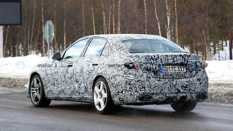 Высокопроизводительная версия Mercedes-AMG C53 замечена на тестах